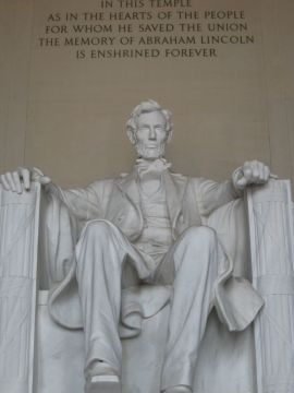 abraham-lincoln-s-statue-washington-dc-united-states+1152_12888443123-tpfil02aw-1756